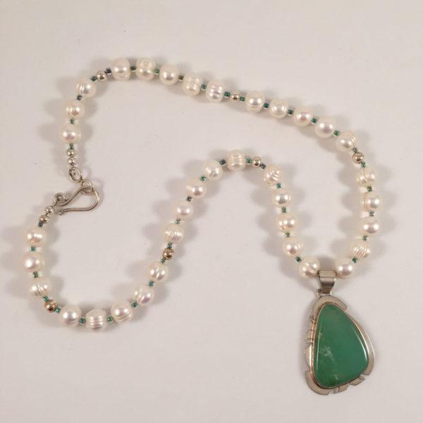 Pearls-Glass-Chrysoprase-Pendant-20-inch-A v.1